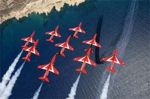 flyingwiththeredarrows02.jpg